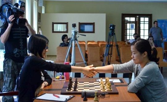 Zhao Xue vs Hou Yifan