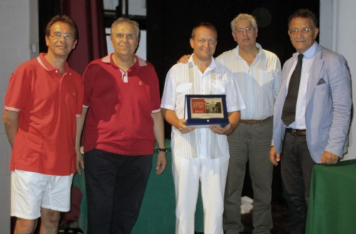 The GM Viorel Iordachescu is the predictable and highly acclaimed winner! (photo by Gianni Gigante)