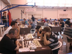 GMs Velicka (left) and Prohaszka (right) face each other in the 5th round