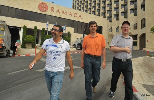 Walking with Gelfand and Svidler from their hotel to the tournament venue
