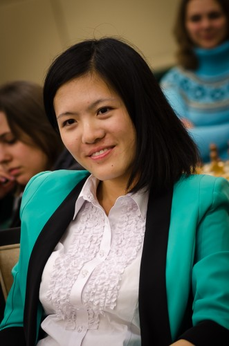 Hou Yifan unstoppable in the Blitz