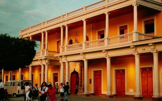 Casa de los tres mundos in Granada