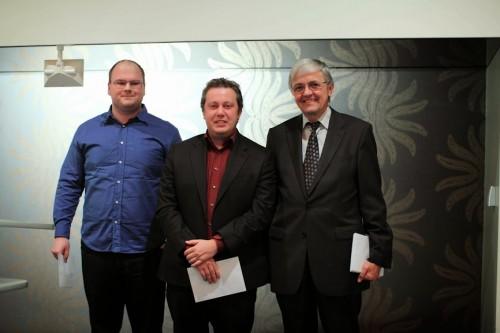 From left to right: GM Laszlo Gonda, GM Arkadij Naiditsch and Tournament Director Georg Kradolfer