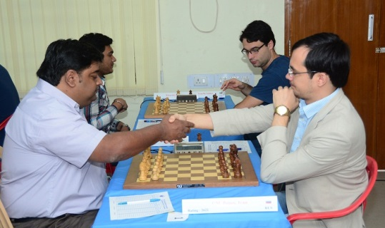Top board game Vivek Nambiar (India) playing GM Ivan Popov (Russia)