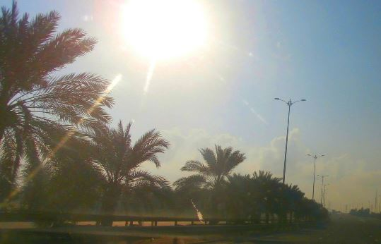 The break of day on the road from Dubai to Al Ain