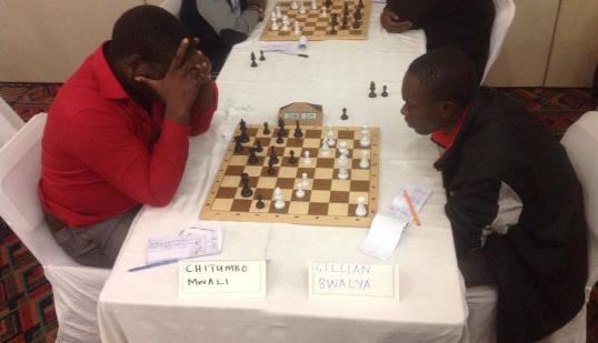 Chitumbo Mwali vs Gillian Bwalya during the 2015 ZIM Open