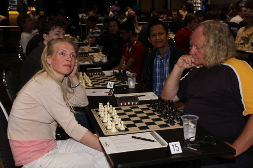 WFM Margit Brokko vs. GM Darryl Johansen (photo credit: Cathy Rogers)