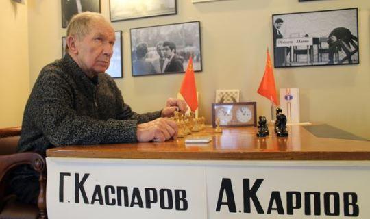 Aleksander Nikitin table Karpov-Kasparov