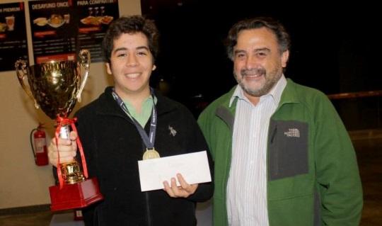 IM Cristóbal Henríquez and President of AJEFECH Juan Carlos Mundaca