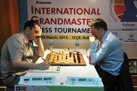 Top seed Nigel Short defeated Kokarev Dmitry to lead jointly with