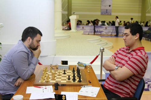 Although GM Igor Kovalenko was injured from the morning soccer match, he managed to win the game against Alexander Fier