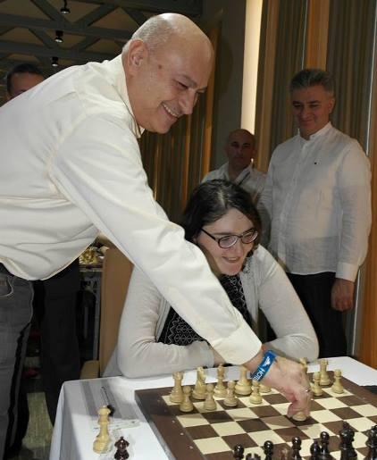 Zurab Azmaiparashvili 1st move