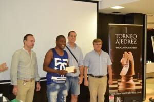 The winner GM Orelvis Perez Mitjans takes the first prize