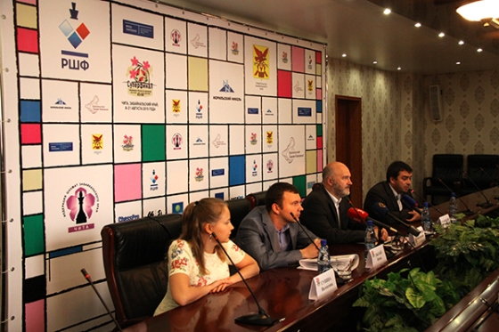 Russian Chess Championship Superfinal Opens in Chita