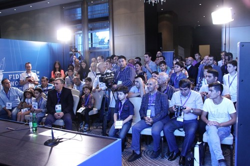 Crowded room during Mamedyarov's press conference