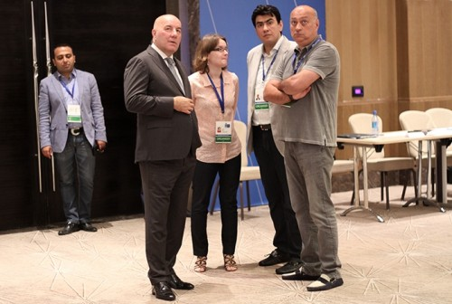 Elman Rustamov, Governor of the Central Bank and President of Azerbaijan Chess Federation, visited the venue