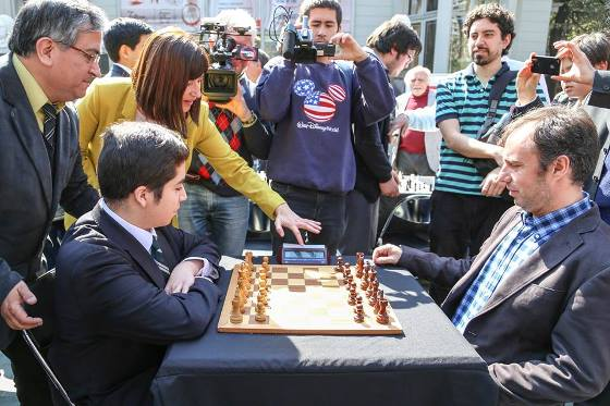Ministry of Sport of Chile held a simul with Cristóbal Henríquez