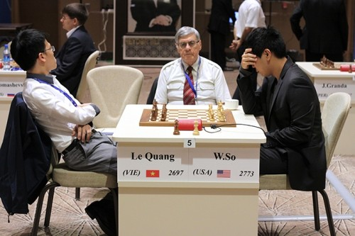 Wesley So focusing before the match with Le Quang Liem