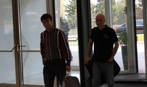 Teimour Radjabov and Vladimir Chuchelov arriving in the hotel