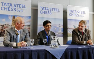 Theo Henrar (left), Anish Giri (middle) and Jeroen van den Berg (right) at the Tata Steel 2016 press conference