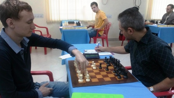 GMs Mozharov & Solodovnichenko at the start of the game