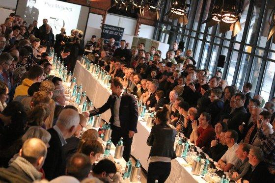 Die Zeit celebrates 70th anniversary with a Magnus Carlsen simul