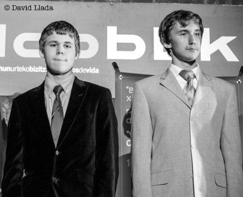 Carlsen and Karjakin, photo by David LLada