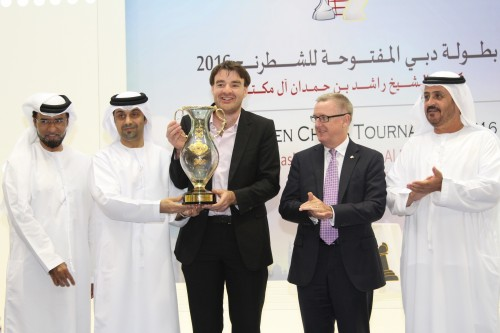 Gawain Jones lifts Sheikh Rashid bin Hamdan Al Maktoum Cup