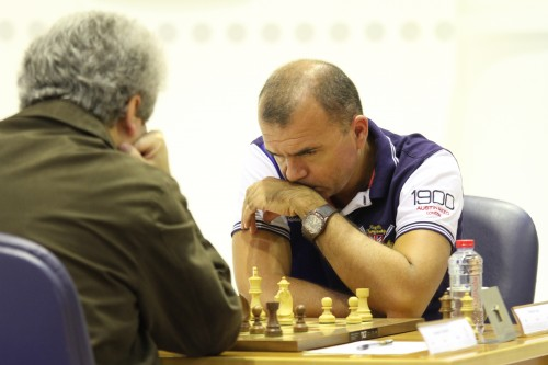 The game between Grandmasters Ivan Sokolov and Vladimir Akopian ended in a draw