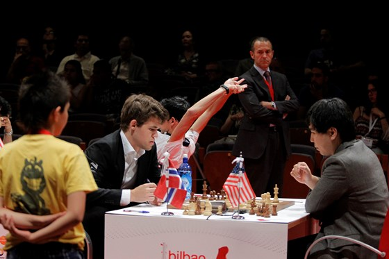 Magnus Carlsen crowned with txapela in Bilbao 2