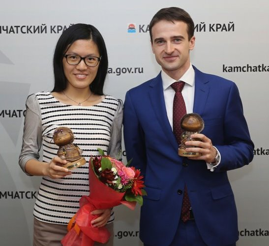 Hou Yifan and Ernesto Inarkiev