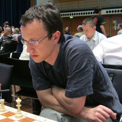 GM Vadim Zvjaginsev