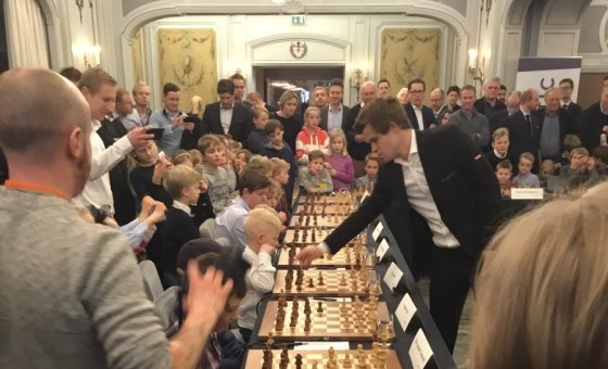 Arctic Fund Management simul with Magnus Carlsen