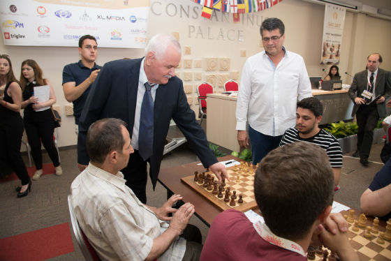 Honorary move by GM Slavoljub Marjanovic