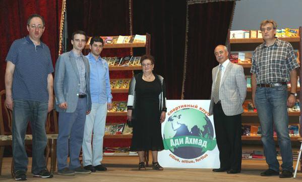 Mark Dvoretsky's library donated to Adi Akhmad Club