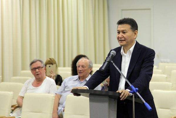 Kirsan Ilyumzhinov at the supervisory board