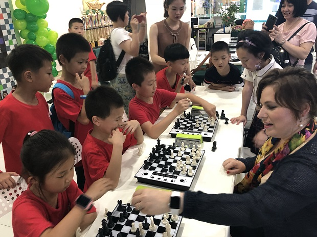 Judit Polgar designs educational program for China 4
