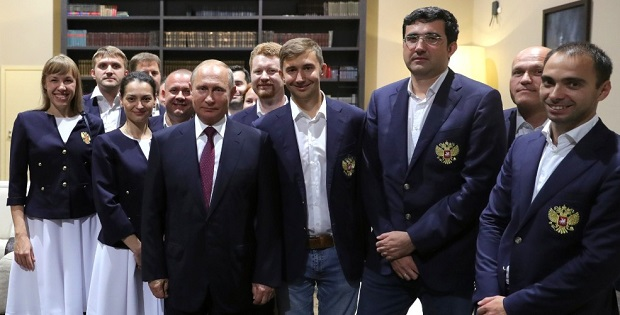 Vladimir Putin with Russian national chess teams